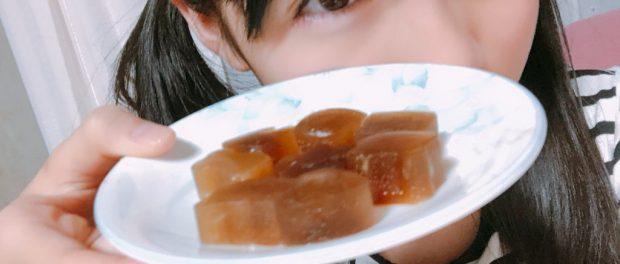 アイドルさん、コーラを凍らせて氷を作るwwww