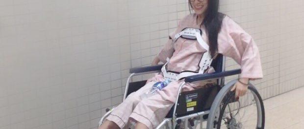 【悲報】アイドル仮面女子の猪狩ともか、事故で脊髄損傷・・・ 車椅子生活になるもアイドル活動継続
