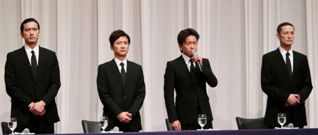 TOKIO、「昔から4人でしたけど?」みたいな顔して集合写真を撮る
