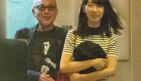 柏木由紀さん、手越との熱愛報道は全スルーだったのに、竹中直人とのデート報道は否定wwwww なんでなん?