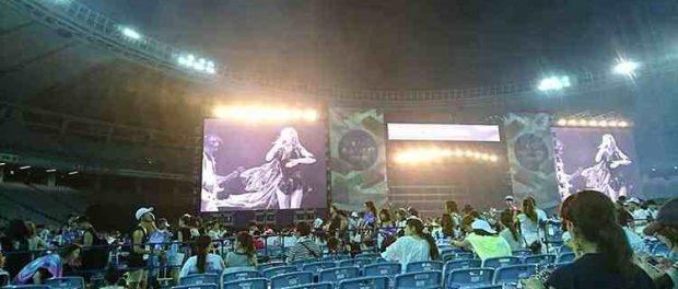 「a-nation」大トリの浜崎あゆみが今年もガラガラだった件wwwwwww 「EXOが終わったら客が帰り始め、浜崎あゆみが歌う頃には半分くらいの人が帰ってた」