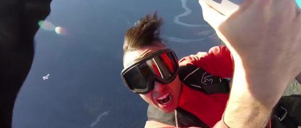 カナダ人ラッパーのJon Jamesさん、MVの飛行機の翼を歩くシーン撮影中落下死 ←アホ杉内