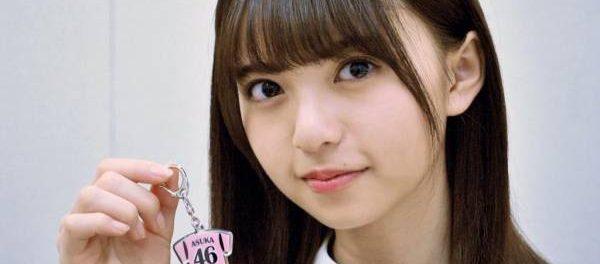 【悲報】齋藤飛鳥さん、実物と修正で顔が全然違うwwwww