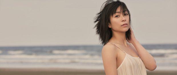 宇多田ヒカル(36)、公衆の面前で息子にスカートをめくられ・・・